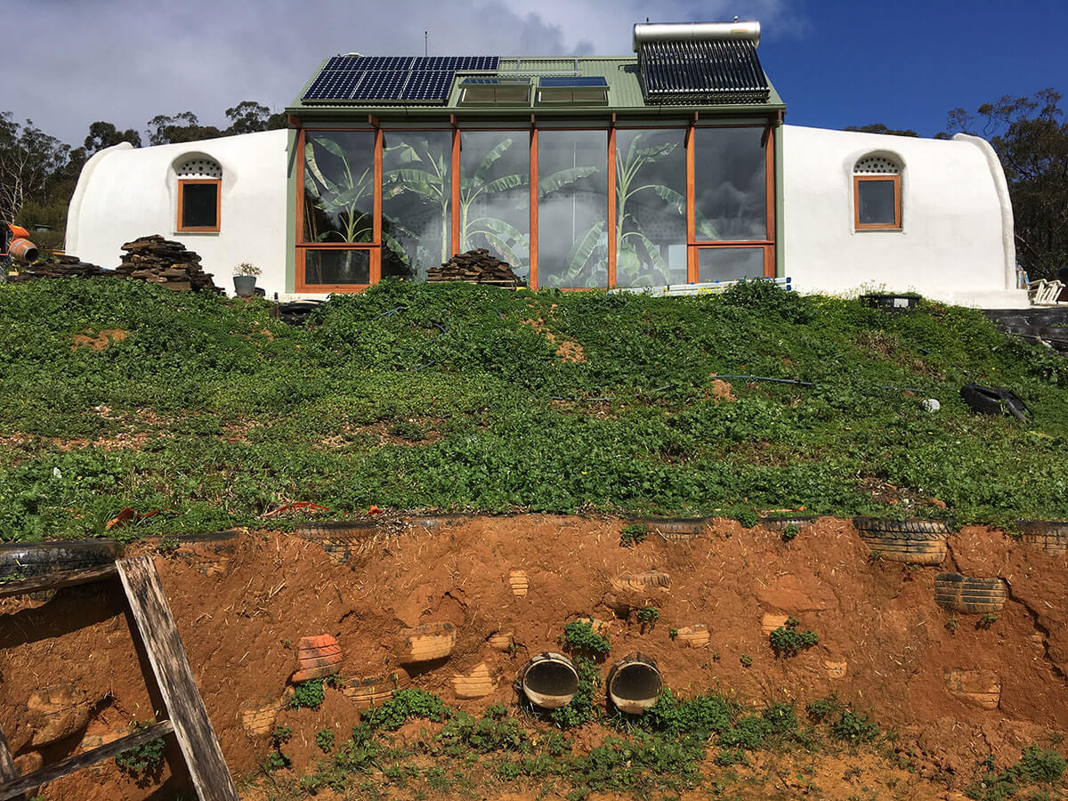 Logging The Energy Efficiency Of Sustainable Quot Earthship