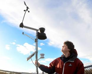 Onset Supports Local High School Student Setting up a Weather Station for his Senior Project